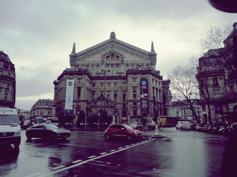 Opera-Binası