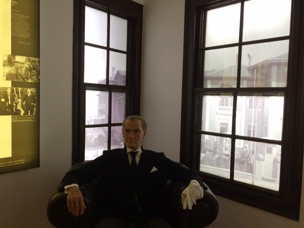 Atatürk balmumu heykeli